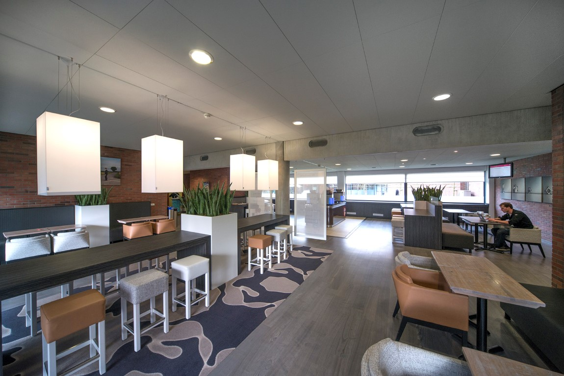 Albert Heijn Executive - Lounge 2 (Medium)