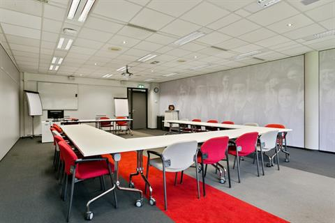 De Rooij collegezaal 2 (Medium)