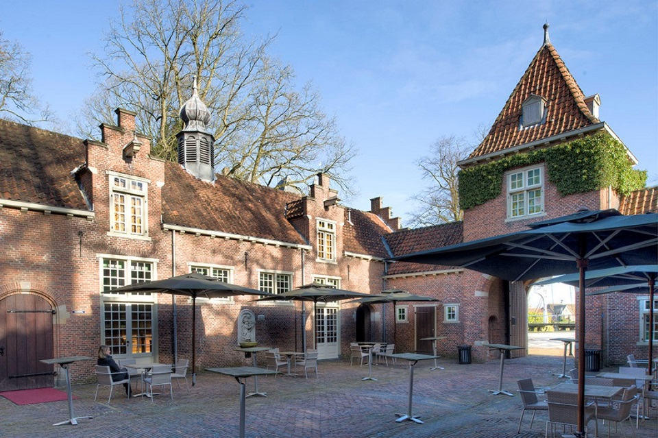 Koetshuis Patio (Medium)