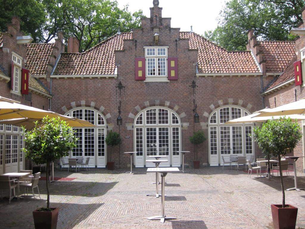 Koetshuis Patio 1 (Medium)