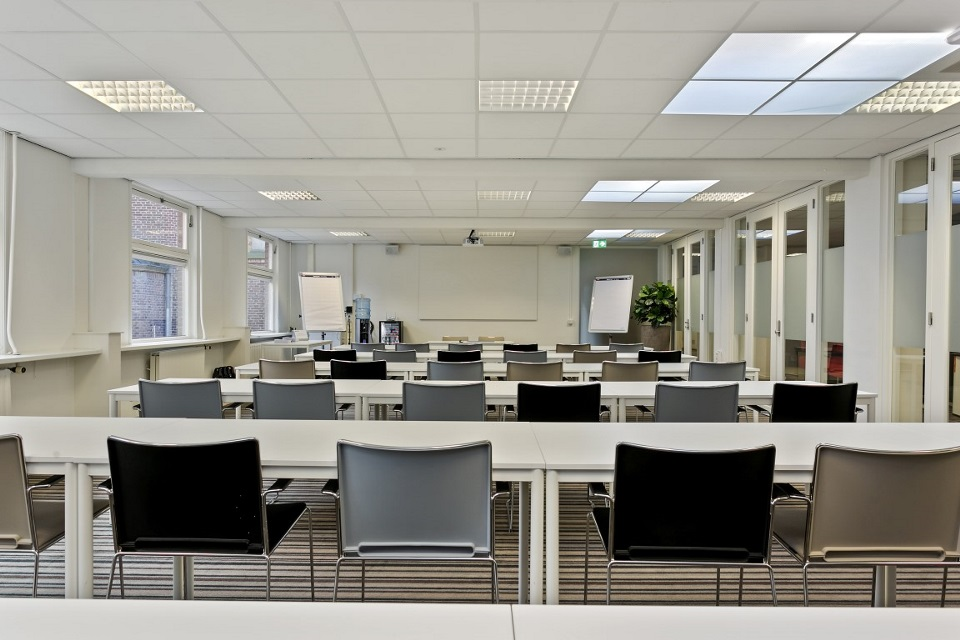 KHV collegezaal 2 (Medium)