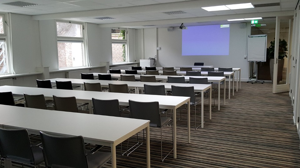 KHV collegezaal 3 (Medium)