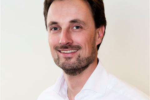 Niels van Buren