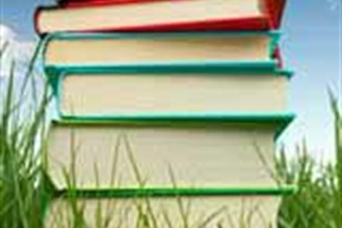 books-in-grass-optie2