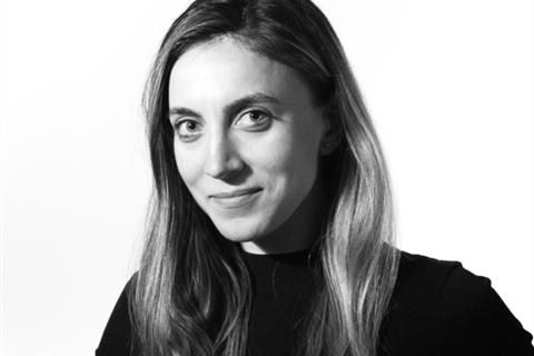 Portrait Andreea Bulisache IMBA 2012-2013_4