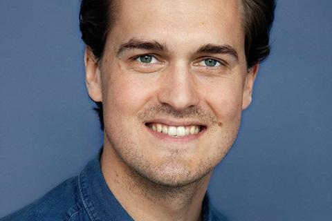 Portret Edward Ellis-min