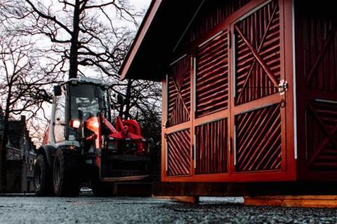Stichting Nyenrode Fonds - Menagerie - Eendenhuisje voor restauratie, terugplaatsing 11 februari 2019 (2)