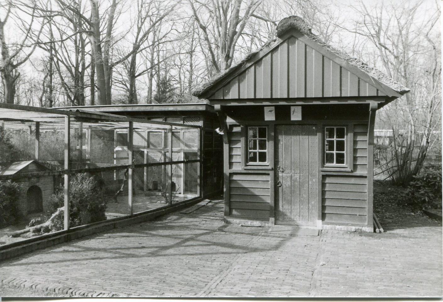 Stichting Nyenrode Fonds - Menagerie - Voederhuis, historische foto (2)